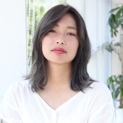 アンニュイほつれヘア レイヤーカット ガーリー グレージュ ヘアスタイルや髪型の写真・画像