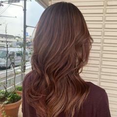 ロング ピンクブラウン ハイライト フェミニン ヘアスタイルや髪型の写真・画像