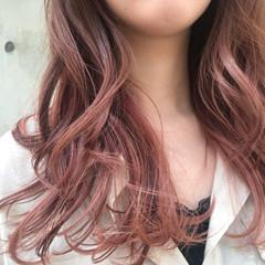 ガーリー インナーピンク インナーカラー グラデーションカラー ヘアスタイルや髪型の写真・画像