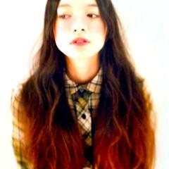 暗髪 外国人風 ロング ガーリー ヘアスタイルや髪型の写真・画像