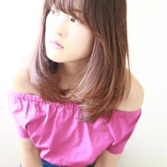 フェミニン サラサラ 艶髪 ナチュラル ヘアスタイルや髪型の写真・画像