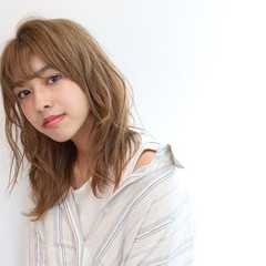 ミディアム フェミニン 韓国ヘア 大人可愛い ヘアスタイルや髪型の写真・画像