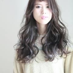 外国人風 モテ髪 ロング ゆるふわ ヘアスタイルや髪型の写真・画像