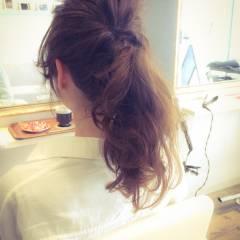 ポニーテール 簡単ヘアアレンジ セミロング 波ウェーブ ヘアスタイルや髪型の写真・画像
