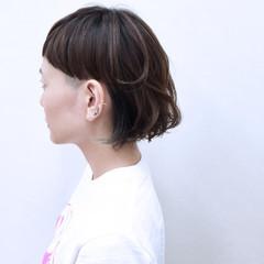 インナーカラー モード マッシュ 暗髪 ヘアスタイルや髪型の写真・画像