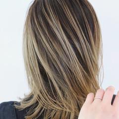 ミディアム 外国人風カラー ストリート バレイヤージュ ヘアスタイルや髪型の写真・画像
