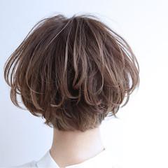 ショート グラデーションカラー 大人かわいい ガーリー ヘアスタイルや髪型の写真・画像
