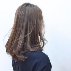 ナチュラル ロブ セミロング フェミニン ヘアスタイルや髪型の写真・画像