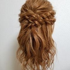 フェミニン ヘアアレンジ ブライダル ハーフアップ ヘアスタイルや髪型の写真・画像