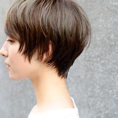 ハイライト アッシュベージュ ショートマッシュ ナチュラル ヘアスタイルや髪型の写真・画像