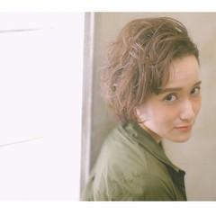 マニッシュ ベリーショート パーマ 外国人風 ヘアスタイルや髪型の写真・画像