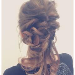 簡単ヘアアレンジ ヘアアレンジ ゆるふわ ルーズ ヘアスタイルや髪型の写真・画像