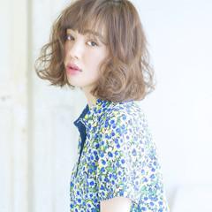 レイヤーカット 外国人風 パーマ ガーリー ヘアスタイルや髪型の写真・画像