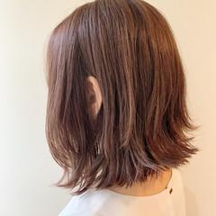 ピンクベージュ ナチュラル デート ボブ ヘアスタイルや髪型の写真・画像