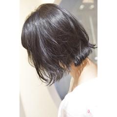 ダークトーン ナチュラル ミニボブ ダークグレー ヘアスタイルや髪型の写真・画像