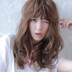 ロング ウェットヘア 外国人風 ストリート ヘアスタイルや髪型の写真・画像