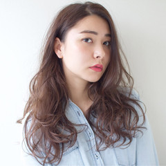 レイヤーカット 女子力 透明感 フェミニン ヘアスタイルや髪型の写真・画像