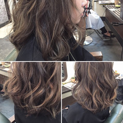 アッシュ グラデーションカラー ミディアム ハイライト ヘアスタイルや髪型の写真・画像