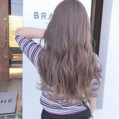 ブリーチカラー ハイトーンカラー ミルクティーベージュ ロング ヘアスタイルや髪型の写真・画像