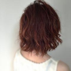 ナチュラル ピンク ボブ 波ウェーブ ヘアスタイルや髪型の写真・画像