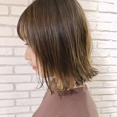 ブリーチカラー ミルクティーベージュ 外ハネボブ ボブ ヘアスタイルや髪型の写真・画像