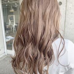 ミルクティーベージュ ブラウンベージュ シアーベージュ 透明感カラー ヘアスタイルや髪型の写真・画像