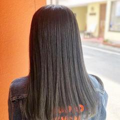ロング グラデーションカラー ストレート グレージュ ヘアスタイルや髪型の写真・画像