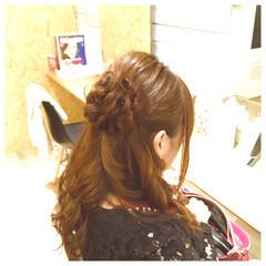 ヘアアレンジ セミロング 編み込み パーティ ヘアスタイルや髪型の写真・画像