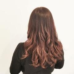 イルミナカラー ロング ピンク 大人かわいい ヘアスタイルや髪型の写真・画像