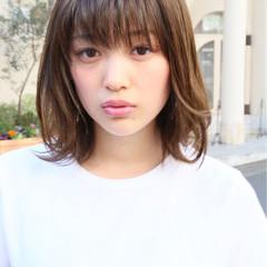 女子会 アンニュイ ウェーブ オフィス ヘアスタイルや髪型の写真・画像