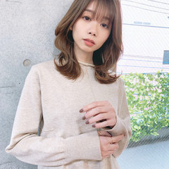セミロング ひし形シルエット フェミニン 韓国風ヘアー ヘアスタイルや髪型の写真・画像