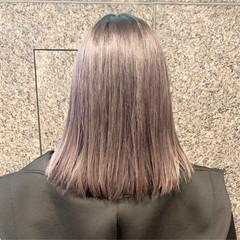 ホワイトアッシュ ホワイトベージュ ホワイトシルバー ボブ ヘアスタイルや髪型の写真・画像