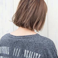 極細ハイライト ボブ ミルクティーベージュ ストリート ヘアスタイルや髪型の写真・画像