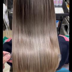 髪質改善トリートメント ミルクティーベージュ 美髪矯正 セミロング ヘアスタイルや髪型の写真・画像
