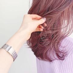 セミロング ミディアムレイヤー ピンク 韓国ヘア ヘアスタイルや髪型の写真・画像