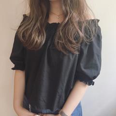 外国人風 デート ウェーブ アンニュイ ヘアスタイルや髪型の写真・画像