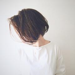 秋 透明感 ベージュ ボブ ヘアスタイルや髪型の写真・画像