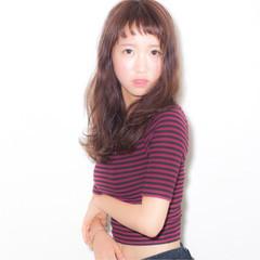 アッシュ セミロング ピュア フェミニン ヘアスタイルや髪型の写真・画像
