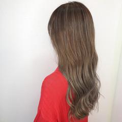ロング グラデーションカラー バレイヤージュ エレガント ヘアスタイルや髪型の写真・画像