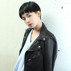 黒髪 マッシュ モード ダブルカラー ヘアスタイルや髪型の写真・画像