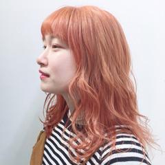 オレンジ ロング フェミニン オレンジカラー ヘアスタイルや髪型の写真・画像
