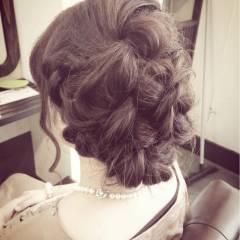 編み込み 結婚式 ねじり コンサバ ヘアスタイルや髪型の写真・画像