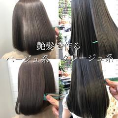 ナチュラル 艶髪 グレージュ ミディアム ヘアスタイルや髪型の写真・画像