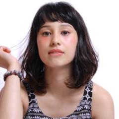 ショートバング オン眉 ナチュラル 色気 ヘアスタイルや髪型の写真・画像