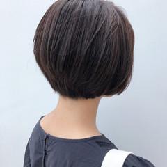 ミディアム 前下がりボブ 前下がり 大人かわいい ヘアスタイルや髪型の写真・画像