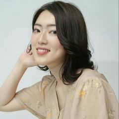 ブルーアッシュ ミディアム 外国人風カラー オフィス ヘアスタイルや髪型の写真・画像