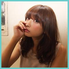 ミディアム ストリート アッシュ パーマ ヘアスタイルや髪型の写真・画像