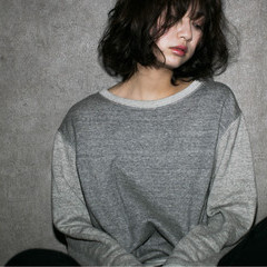 大人かわいい 暗髪 ハイライト アッシュ ヘアスタイルや髪型の写真・画像