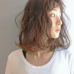 前髪あり パーマ 外国人風 ハイライト ヘアスタイルや髪型の写真・画像
