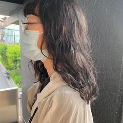 ミディアム パーマ ベージュ 透明感カラー ヘアスタイルや髪型の写真・画像
